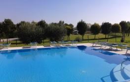 agriturismo lazise piscina